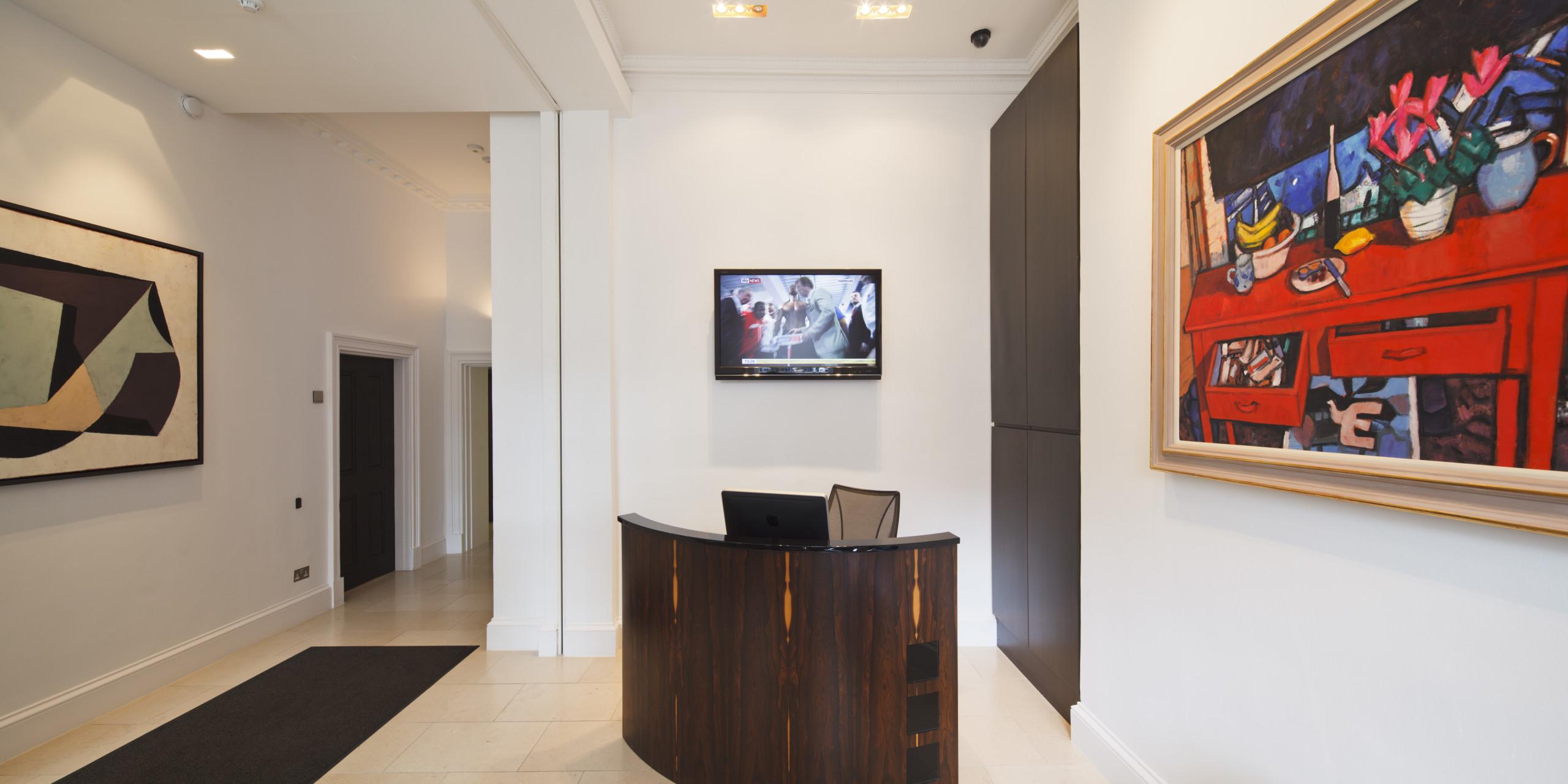 Copy of Manchester Sq Reception desk Marylebone_NH_07.2012_HR